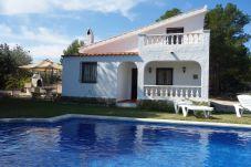 Villa en Calafat - AMP142
