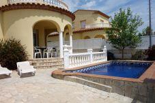 Villa en Ametlla de Mar - AME737
